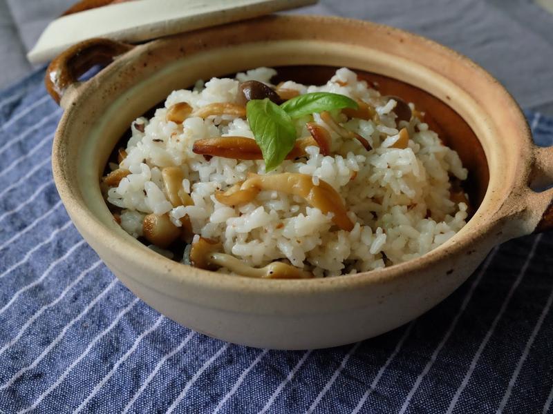 蒜香綜合菇菇拌飯
