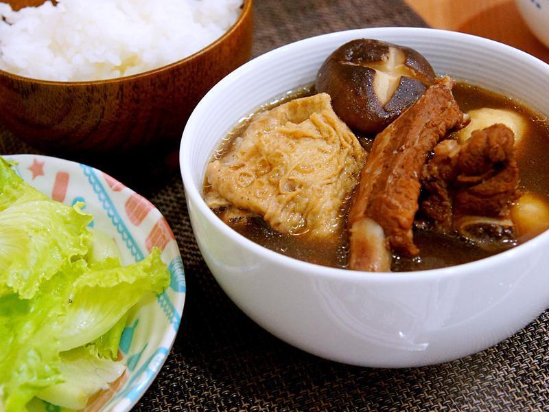 這個冬天不太冷,暖暖的馬來西亞肉骨茶