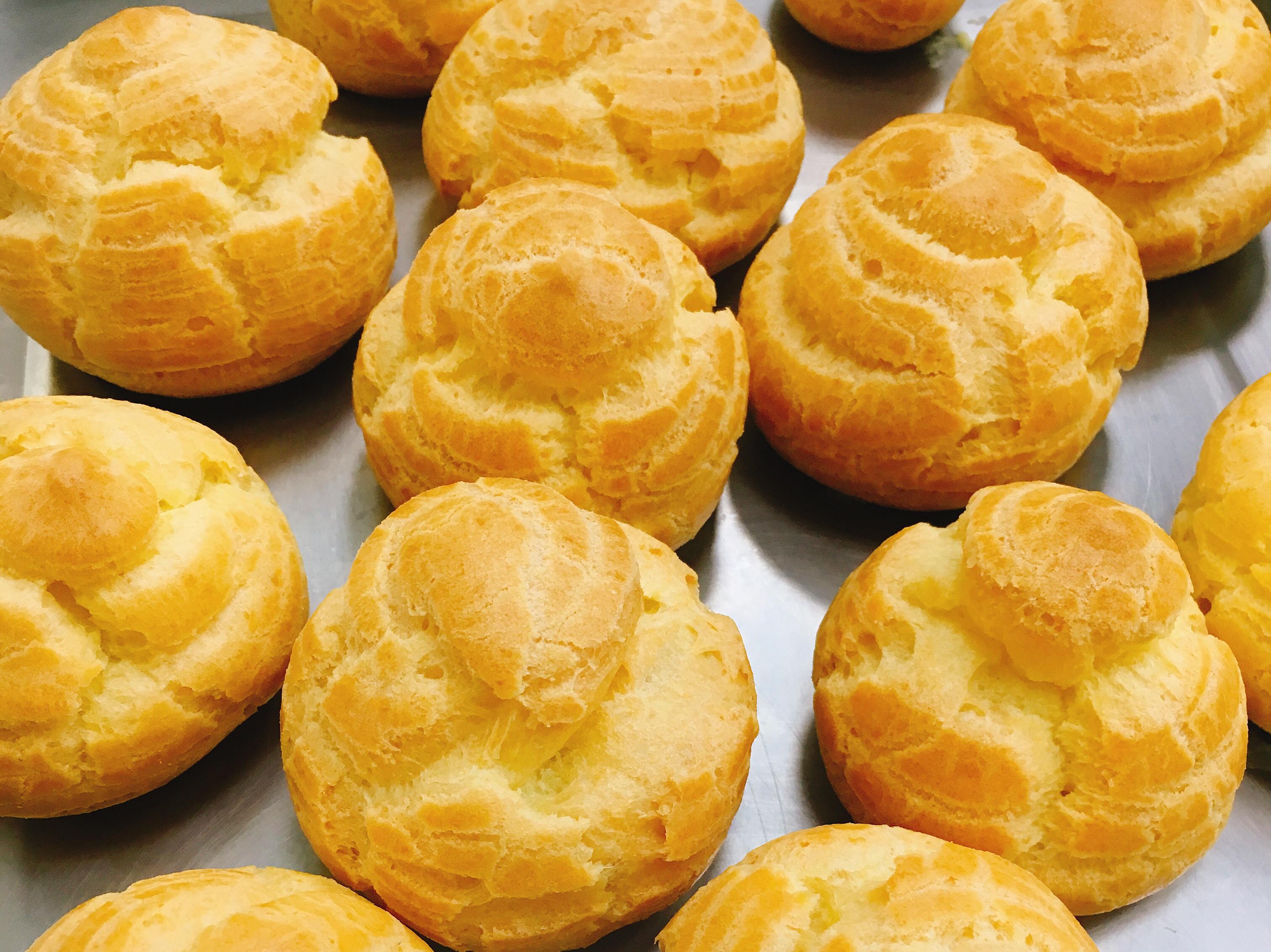 奶油空心餅~超好吃的布丁餡泡芙~