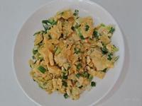 家常菜。蔥蛋