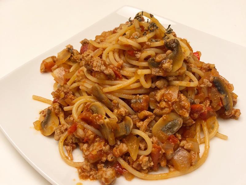 蕃茄蘑菇義大利肉醬麵