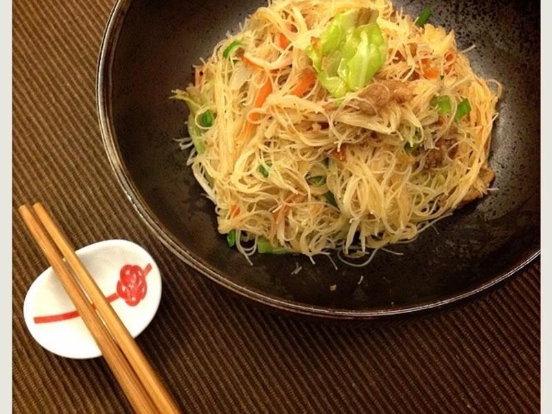 [蔓蔓廚房] 懷念的兒時乾炒米粉 Stir-Fry Rice Noodles