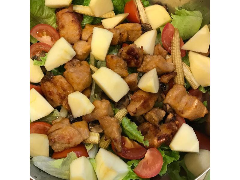 卜蜂唐揚雞蔬果溫沙拉