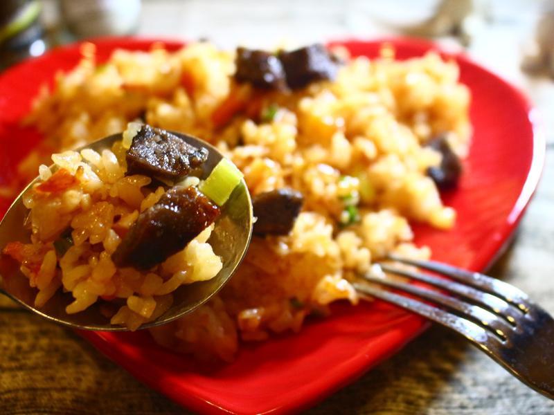 烏骨雞香腸炒青蔥飯|減油少脂的料理食譜