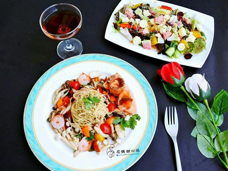 晚餐:煙燻鮭魚油醋義大利麵+紅酒1杯