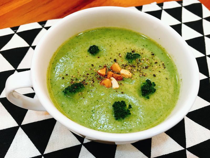 鮮奶吐司青花菜濃湯