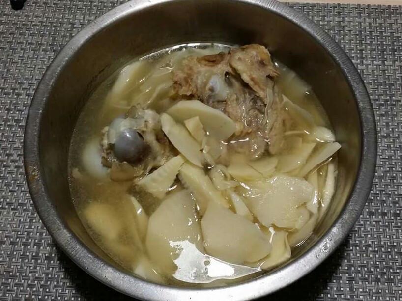 家鄉味[竹筍大骨湯]♡