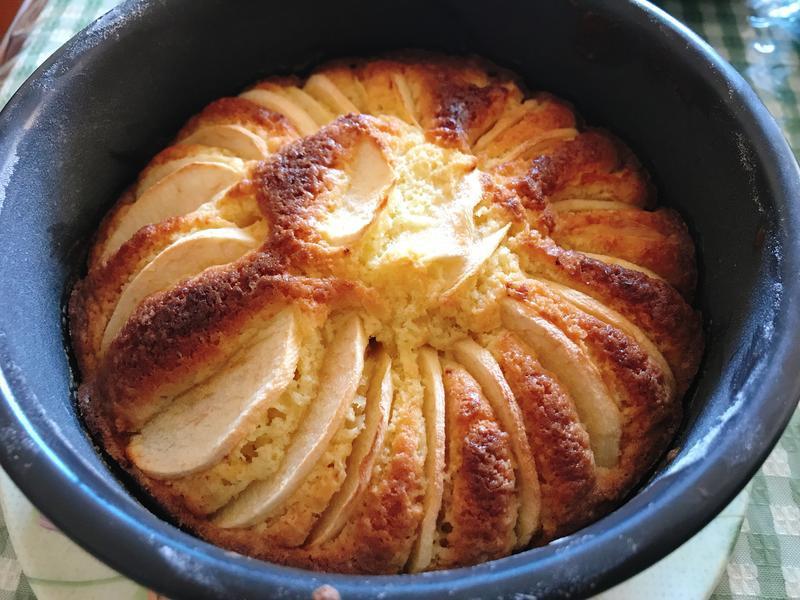 [四哥小廚房]蘋果片鑲蛋糕