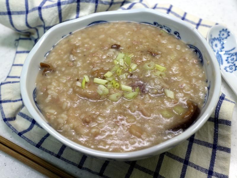 芋頭香菇鹹粥