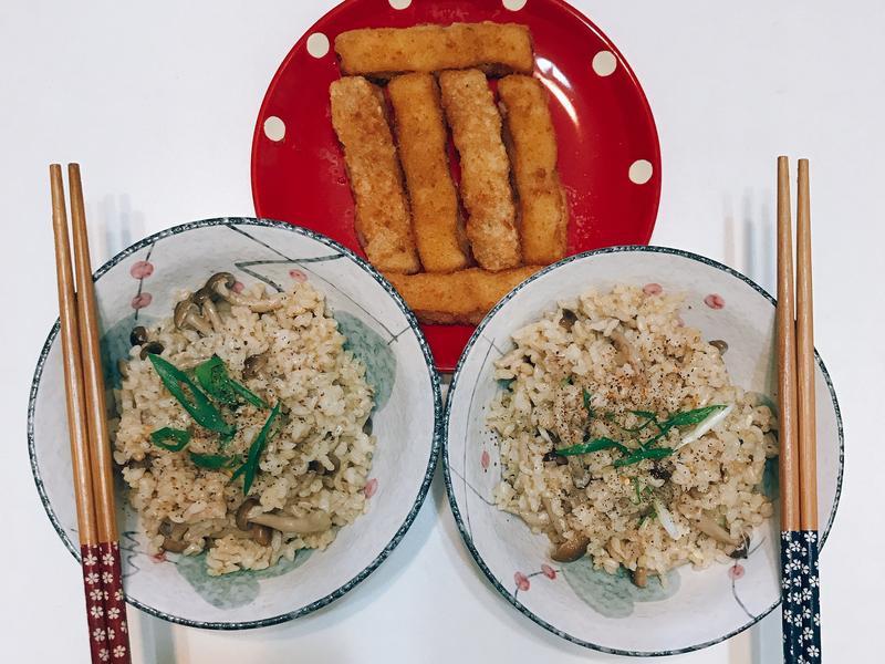 蒜香菇菇炊飯(萬用鍋)