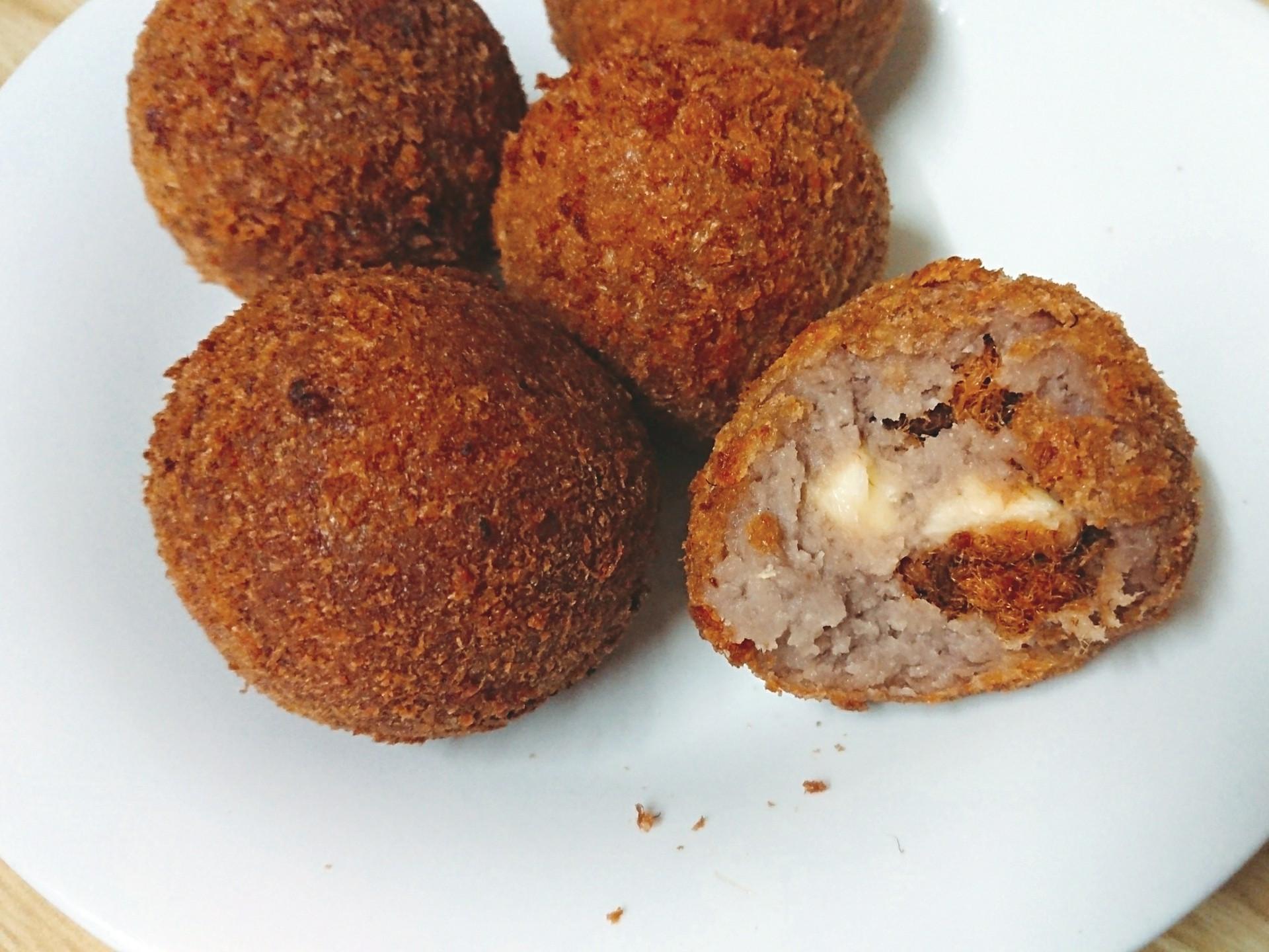 酥脆起司肉鬆芋泥球 (自製麵包粉)