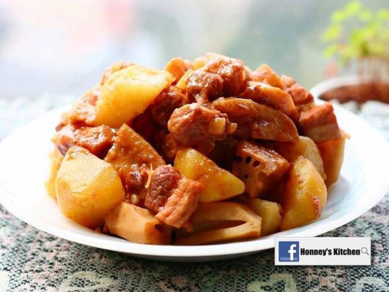 馬鈴薯蓮藕煮五花肉
