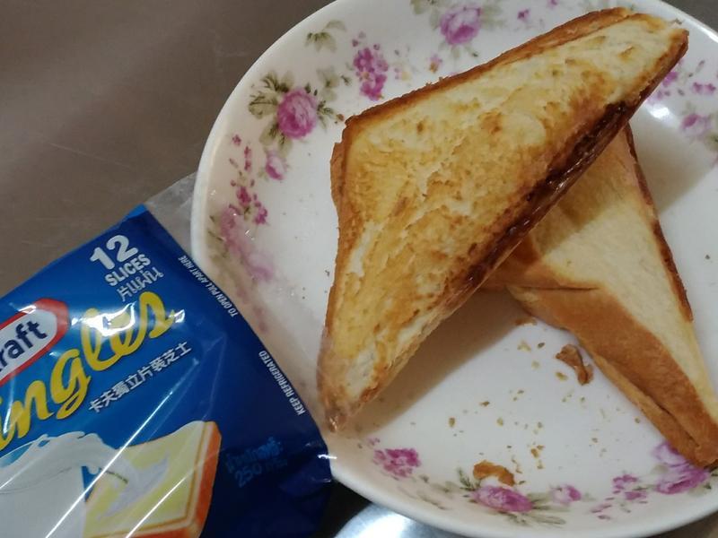 泡菜五花肉起司三明治-卡夫起司片