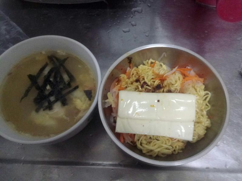 起士蛋印尼拌麵