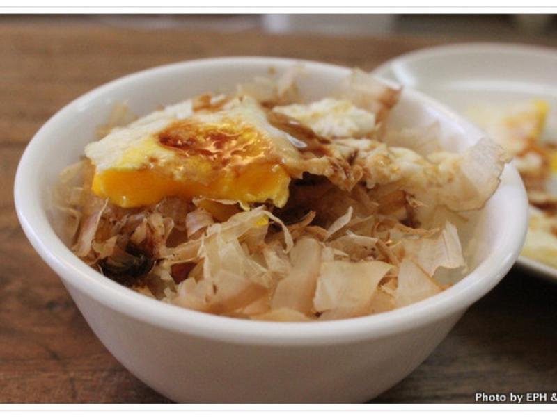 深夜食堂-貓飯&荷包蛋