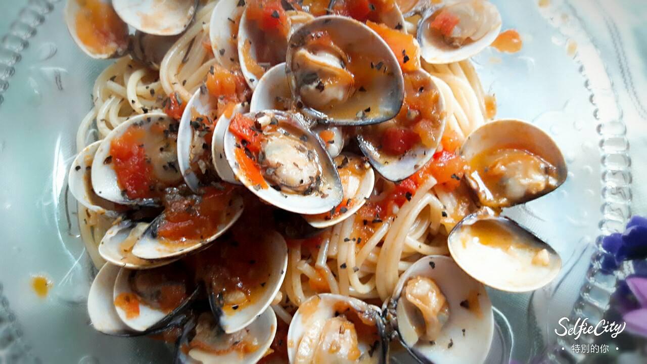 羅勒蕃茄蛤蜊意大利麵