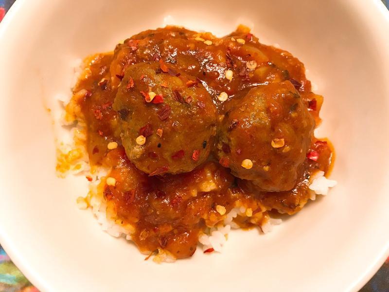 勁辣茄汁肉丸醬