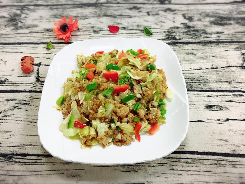 蘿蔔乾炒飯拌高麗菜(水波爐料理)
