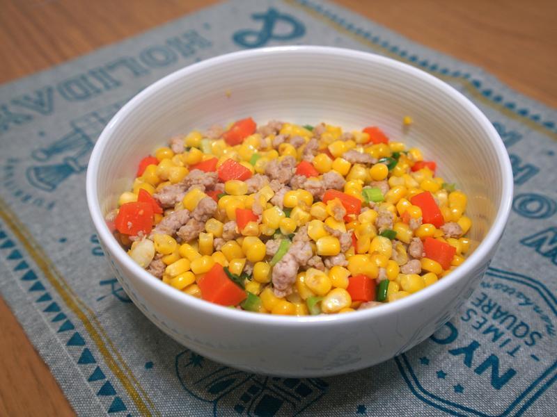 玉米炒肉末+紅蘿蔔