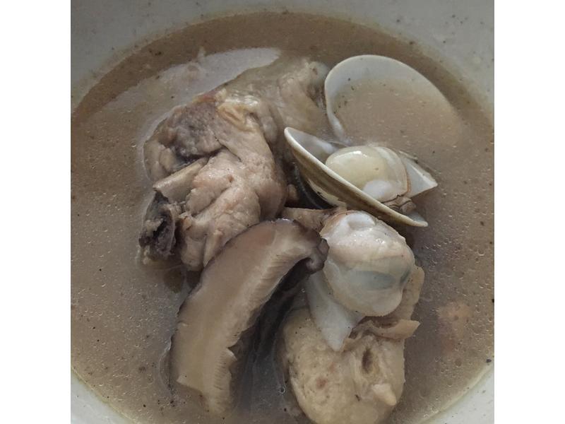 剝皮辣椒蛤仔雞湯