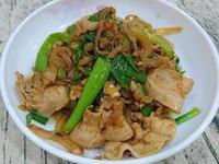 蔥爆沙茶炒肉片(超級下飯)
