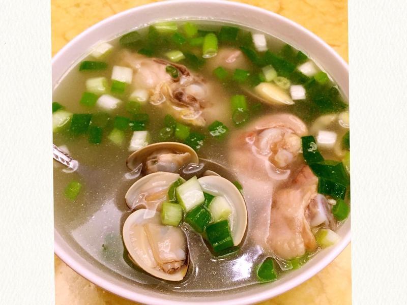 蛤蠣蔥雞湯(簡單美味·感冒退散)