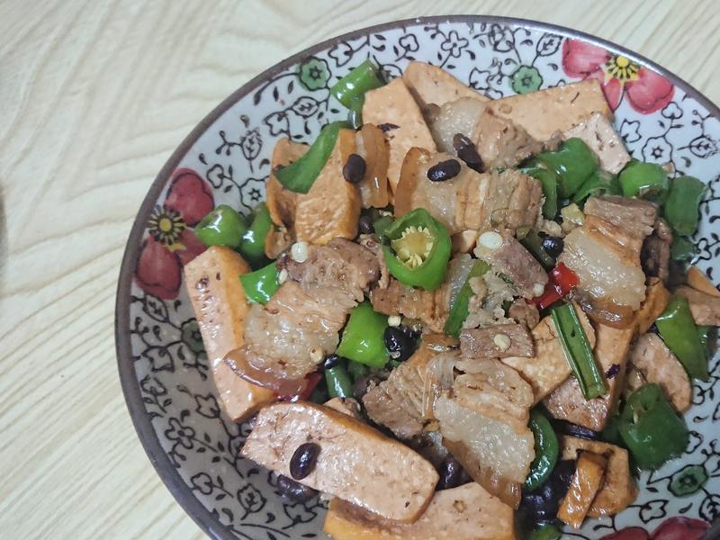 家常菜🍽 椒香豆乾炒肉片
