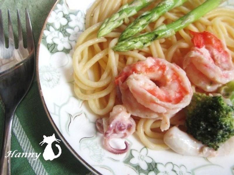 ♥開動with Kat♥海鮮白醬義大利麵