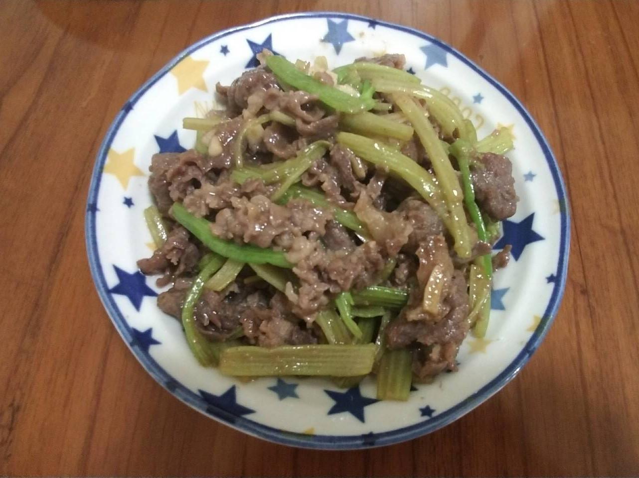 快炒芹菜牛肉