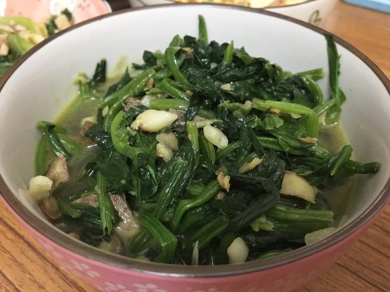 豬肝炒菠菜