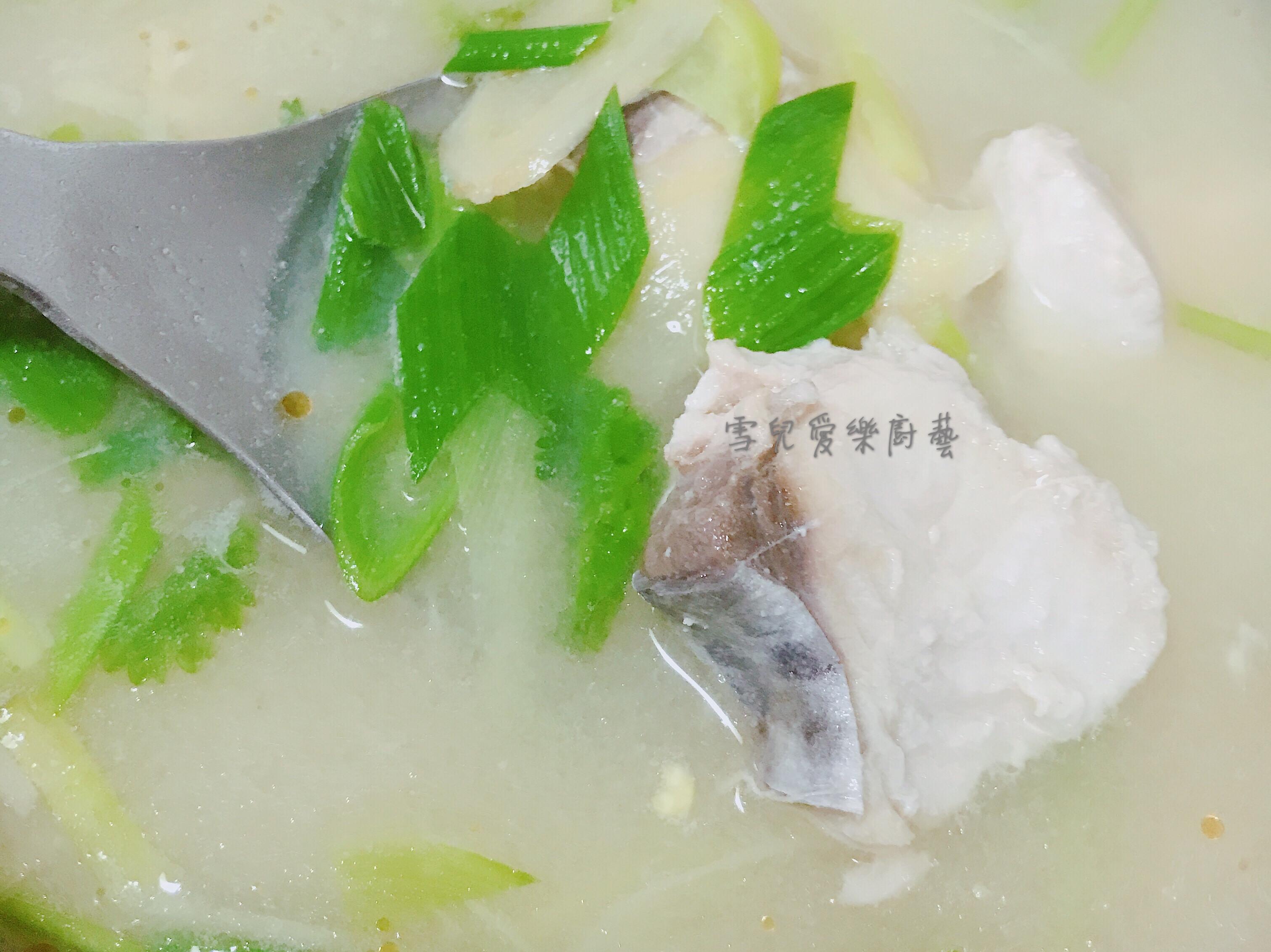 白味增土魠魚湯