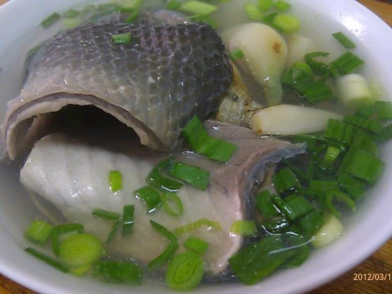 蒜頭蛤蜊虱目魚皮湯