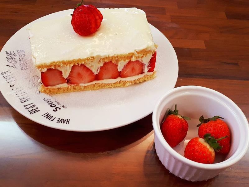 草莓鮮奶油乳酪蛋糕