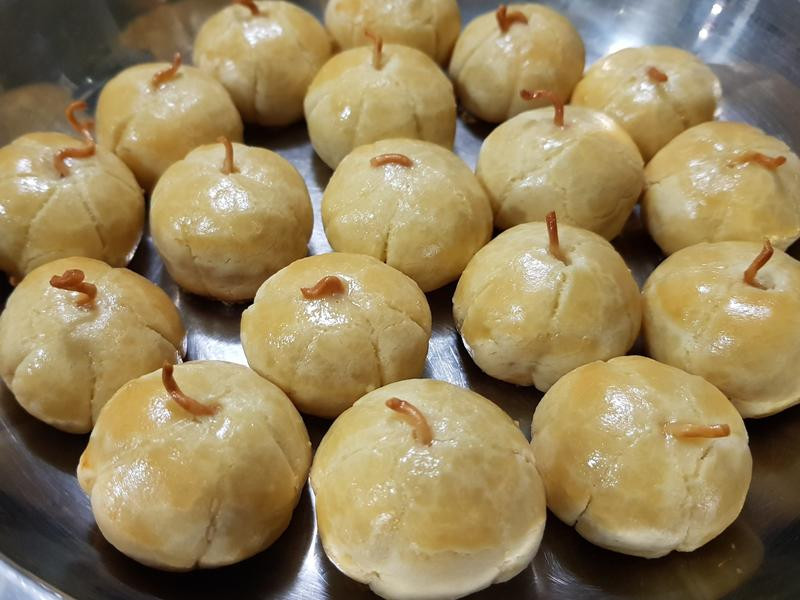 南瓜黄梨饼 (@ 新马过年) 创意糕饼^
