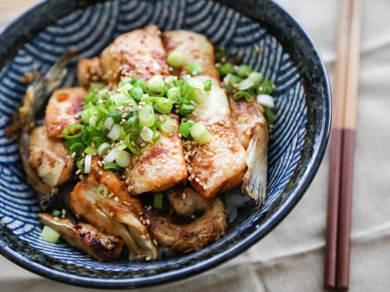 日式味噌烤鮭魚肚飯