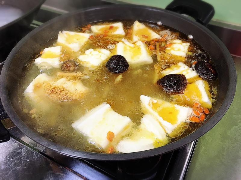 苦瓜猴頭菇湯🥣(素食料理)