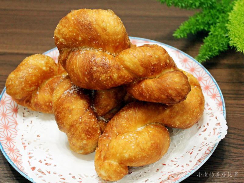 麻花捲甜甜圈