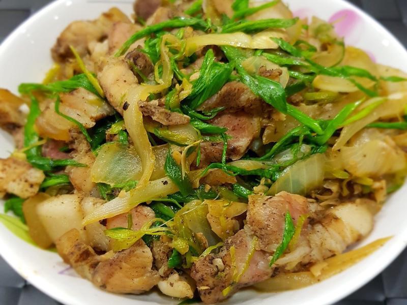客家料理 蒜苗鹹豬肉 簡易美食