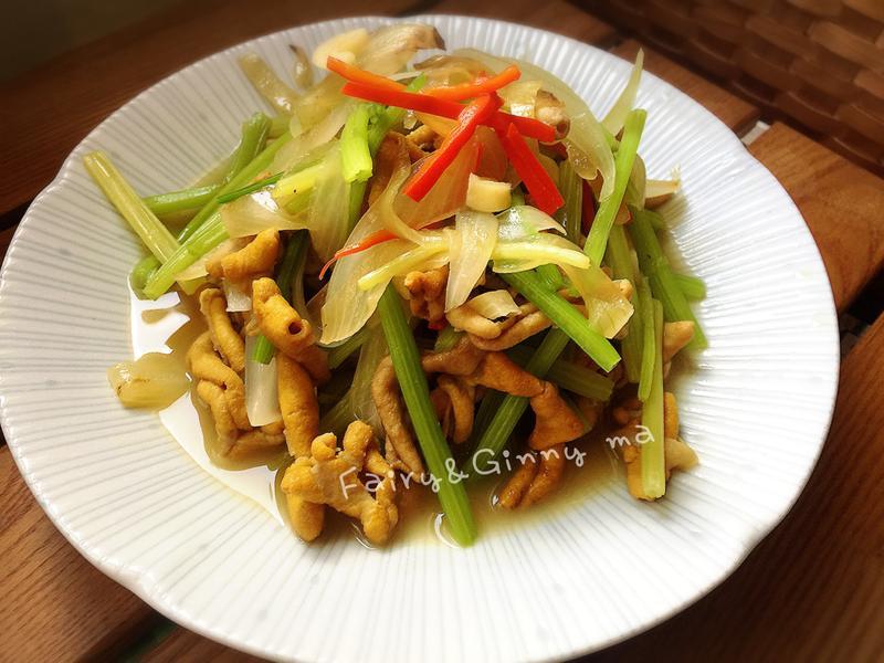 蒜香芹菜雞腸(便當菜)