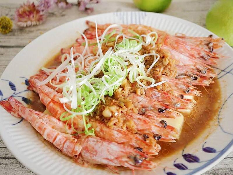 (年菜料理)蒜泥豆腐蒸明蝦