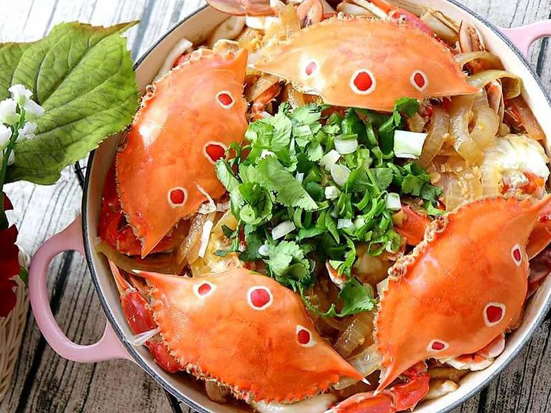(年菜料理)蒜香奶油螃蟹蒸粿仔條