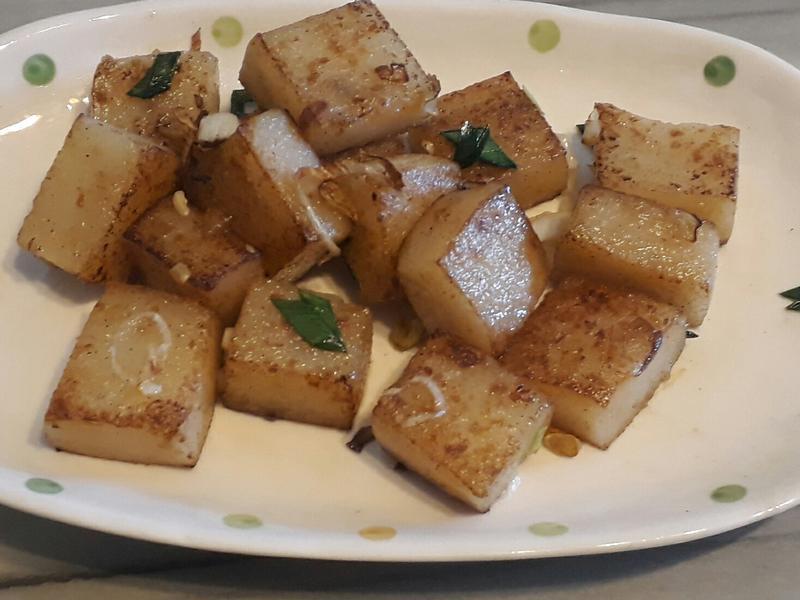 蒜苗炒蘿蔔糕(鄉村早餐)