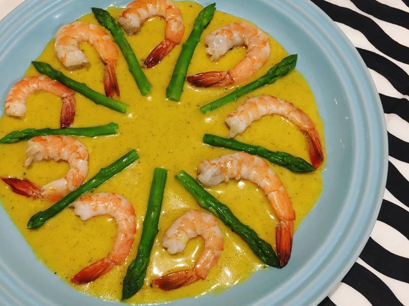 鮮蝦蘆筍沙拉「咖哩優格醬」