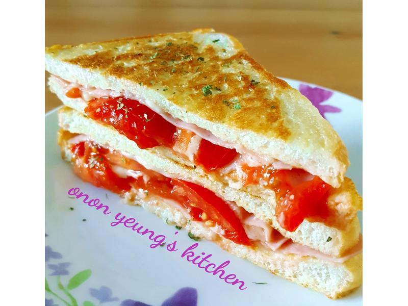 蕃茄培根起司法式吐司(平底鍋做法)