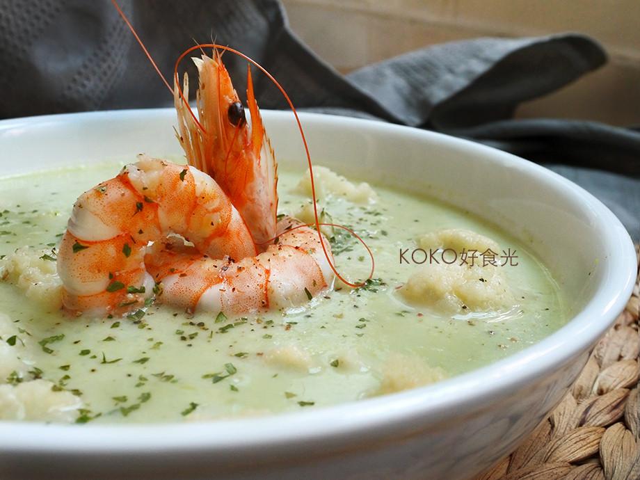大蝦請吃菜濃湯佐毛豆與白花椰菜