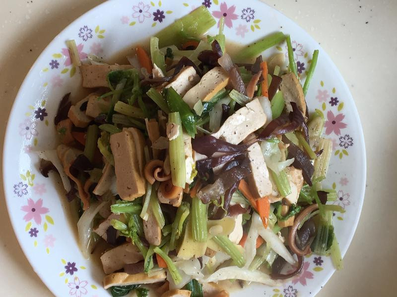 魷魚豆乾炒芹菜