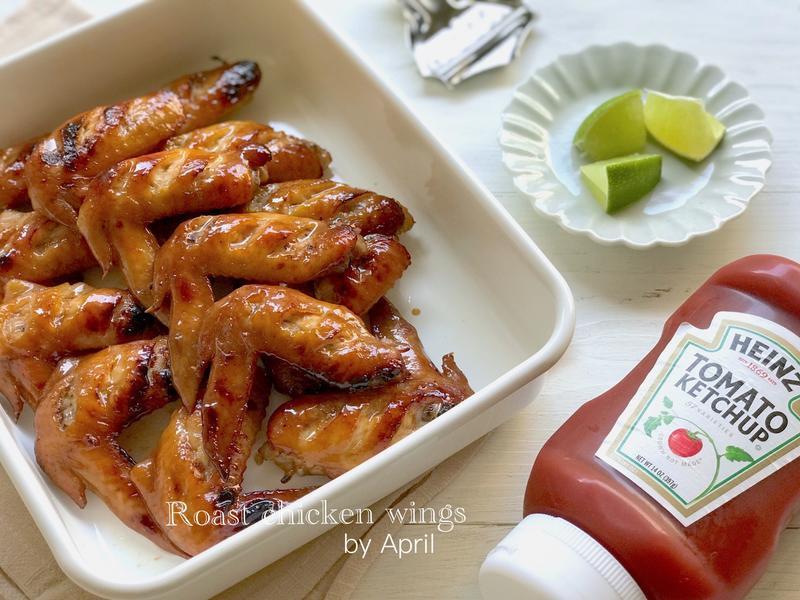 • 香烤雞翅 • ㊙️製醬汁 •