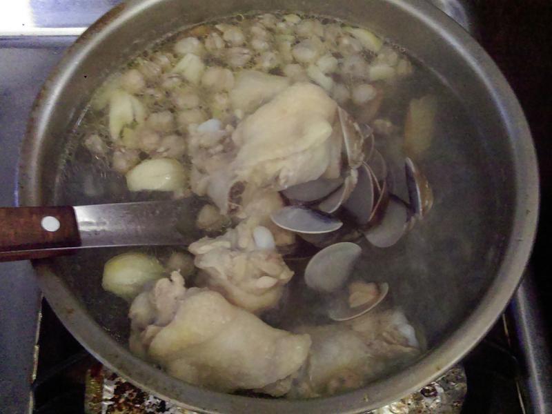 ¥ 蛤蜊雞湯 ¥
