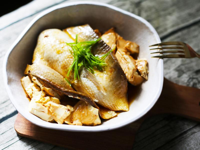 清蒸虱目魚肚豆腐