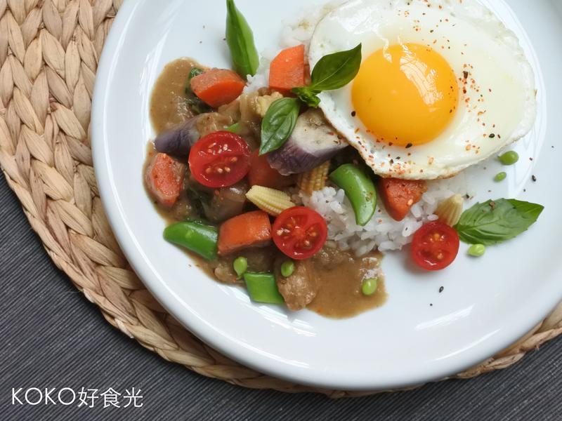 泰陽公公豬肉綠咖哩